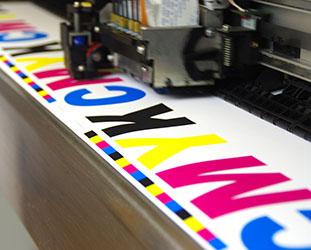 maszyna drukująca ekspozytory reklamowe