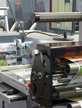 maszyna produkująca treści na stojak ekspozycyjne